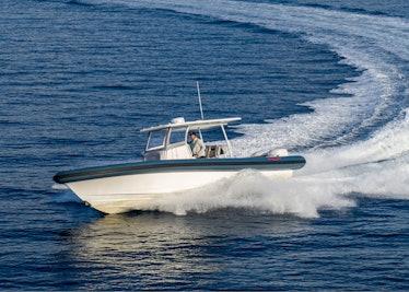 Ocean-1-Rogue-370-tender-18