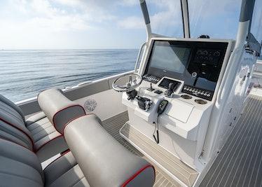 Ocean-1-Rogue-370-tender-31