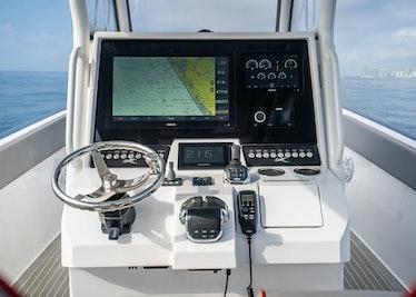 Ocean-1-Rogue-370-tender-37