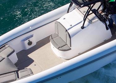 Ocean-1-Rogue-400-forward-helm