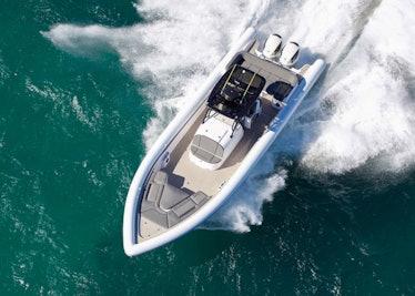 Ocean-1-Rogue-400-overhead-running-2