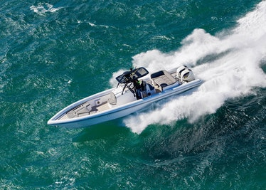 Ocean-1-Rogue-400-overhead-running-3