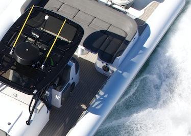Ocean-1-Rogue-400-overhead-running-aft