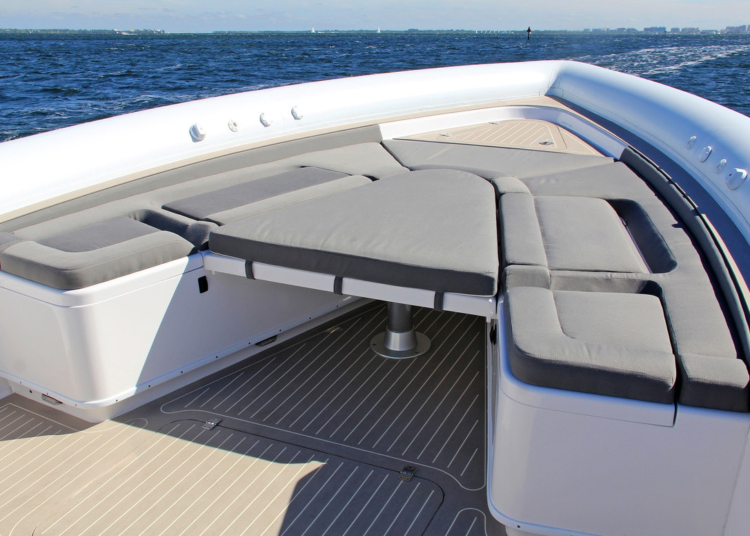 Ocean-1-Rogue-400-tender-bow