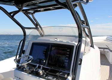 Ocean-1-Rogue-400-tender-helm