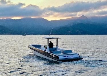 Ocean-1-custom-series-tender-lurssen-madsummer-8