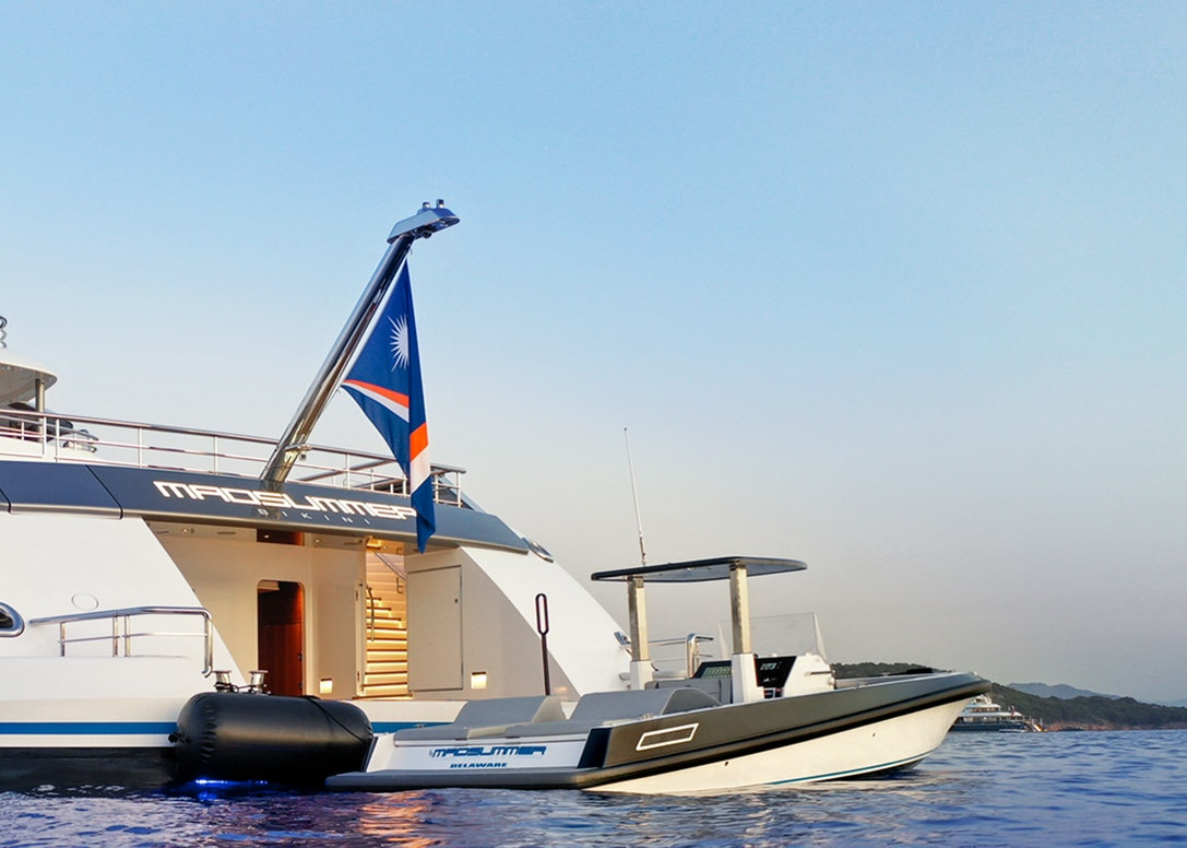Ocean-1-custom-series-tender-lurssen-madsummer-profile